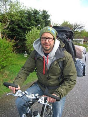 Marcus Lindström från Sandviken ger sig på onsdagsmorgonen ut på sitt livs äventyr – att cykla till Kebnekaise och ta med sig cykeln upp på toppen.–Om det är för mycket tösnö får jag lämna cykeln på vägen upp. Den väger ju ändå över 20 kg.