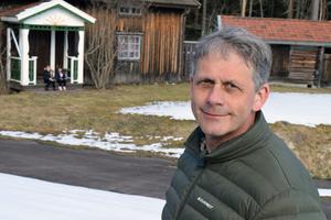 Anders Westerlund, ordföande i Skinnarspelet hoppas på bortåt 2000 besökare vid sommarens föreställningar.