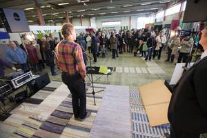 Miljöpartiets kommunalråd i Gävle, Roger Persson, invigningstalade.