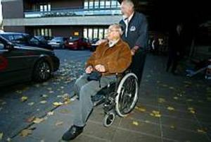 Foto: LARS WIGERT Suveränt bra. Det är Sune Berglunds omdöme om vården han fått på länssjukhuset innan det bar av hem till Ljusne i södra Hälsingland.