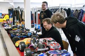 Fartfyllt. Daniel Bard, Thomas Carlsson och Patrik Johansson-Gössling modellentusiaster.