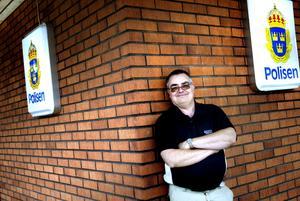 Ny plattform. Rune Werf, 53, var nära att sluta som polis. Men via förändrarprogrammet fick han arbetsglädjen tillbaka.