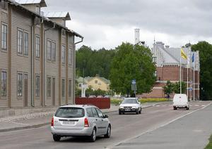 Förtätning av befintlig bebyggelse pågår i Stockholm. I Söderhamn föreslås en förtätning mellan gamla stationen och Pesonhuset.