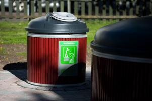 Soptunnorna tar upp mest plats under mark. Kärlet för matavfall rymmer 750 liter.