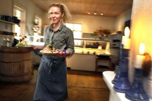 Isabel Linander arbetade tidigare på Böna Café. Nu är caféet till salu igen.