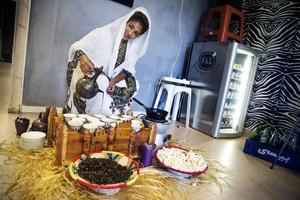 Yordanos Dina Sultan vill söderhamnarna vad den etiopiska kulturen har att erbjuda.