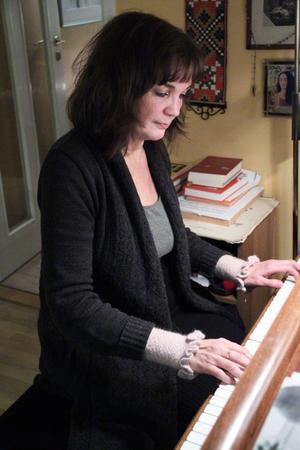 Mozart hade absolut gehör. Lotta Engberg har det – liksom musikern Eva Björk. Hon ser det som en gåva.