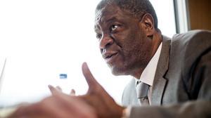 Människokämpen Denis Mukwege är en av många som deltar i fredskonferensen.
