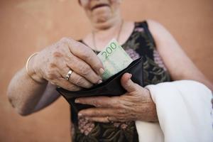 5 pensionärer tycker att skatten  ger för lite kvar i plånboken,