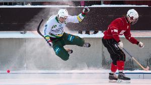 NBF:S Dmitry Lazar mot nya höjder. Här i lördagens match mot Uppsala Bois.