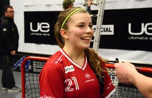 Moa Gustafsson var delaktig i KAIS Moras seger efter att själv ha gjort 2–1 och spelat fram till 3–1.