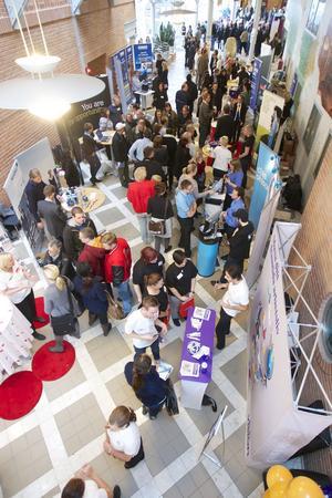 56 utställare och flera tusen besökare. Propellern fyller lätt Teknikdalen.