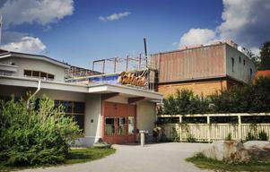 Den första etappen i ombyggnaden i kulturkvarteret startade i mars. Från den här veckan är det uppehåll i byggnationerna på grund av semestrar.