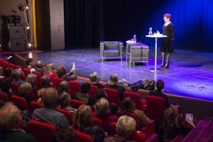 Frösöförfattaren Karin Tegenborg Falkdalen var en av gästerna på Bokens dag.