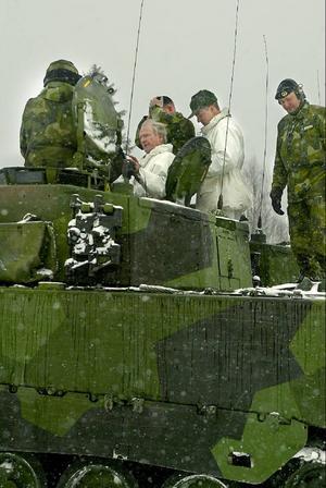 En riktigt gråmulen dag i mars 2005 besökte kungen Östersunds garnison. Den här bilden är tagen på I 5.