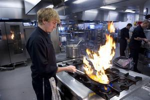 I Jämtlands län har nästan 100 jobb skapats som en följd av den sänkta restaurangmomsen.