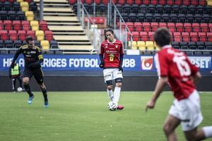 Jonathan Lundbäck fick göra IFK:s sista mål för säsongen hemma mot Sandvik.   Inte mer än rätt.