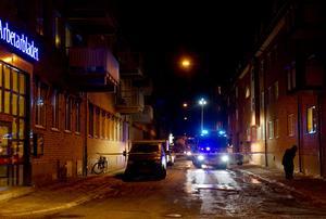 Förrådsbrand. Alldeles utanför Arbetarbladets redaktion inträffade på fredagskvällen en källarbrand. Rökutvecklingen var massiv. Branden släcktes senare under kvällen. Inga människor kom till skada.