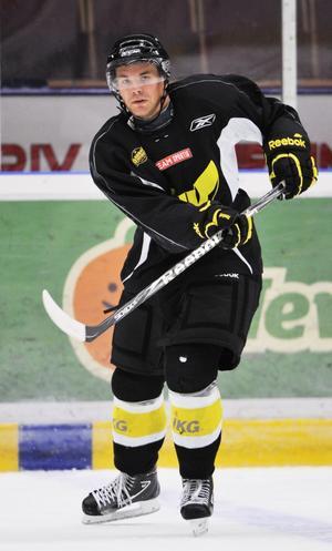 Tomas Mitell. VIK Hockeys offensiva back är skadad och blir borta ytterligare en tid.Foto : Jonas Bilberg/Arkiv