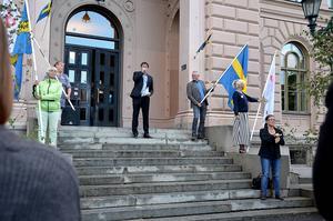 Föräldrar var inbjudna att ta del av information och fika. Skolområdeschef Markus Nordenberg höll tal.
