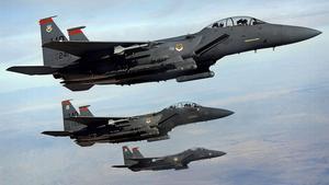 Närmare Nato. Riksdagens solidaritetsförklaring gör att Natoflyg, som amerikanska F15, kommer att kunna behöva använda svenskt luftrum.