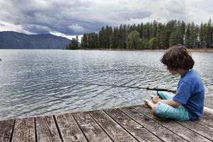 Det blir allt svårare att locka unga till sportfisket.