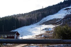 Äppelbo AIK vill sälja den alpina anläggningen vid Hunflen till kommunen.