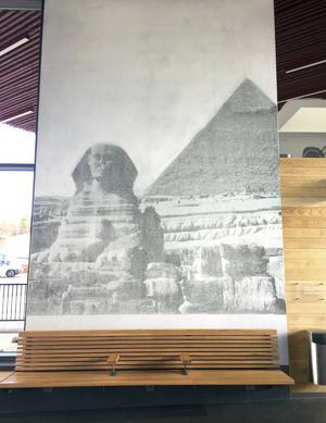 Cheops pyramid i Egypten med sfinxen i förgrunden, ett av Världsarven på Unescos lista.