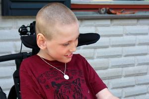 Alvin Karlsson är nio år och har sedan födseln en funktionsvariation. Hans föräldrar Helena och Stefan Karlsson upplever att de inte får något gehör från beslutsfattarna.