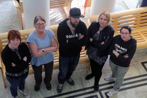 Malin Olsson, Gun Dufvenberg, Seth Hjalmarsson,Carina Hellström och Malin Bruce är några av BB-ockupanterna som åker till Stockholm för att under tisdagen bland annat överlämna alla protestlistor mot stängningen av BB i Sollefteå.