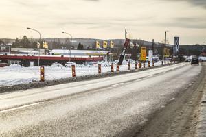Ett trumbyte  gör att väg 84 mellan Rattgatan och den nya rondellen kommer stängas av natten till fredag.
