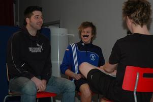 SO-läraren Ronny Edwardsson utmanades i frågesport i tävlingen Vem kan slå Freddy och Jonathan.