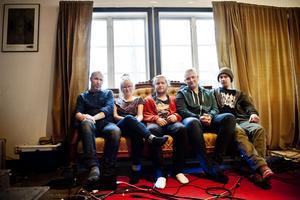 Magdalena Eriksson från Gottne är en av musikerna i det hyllade folkmusikbandet