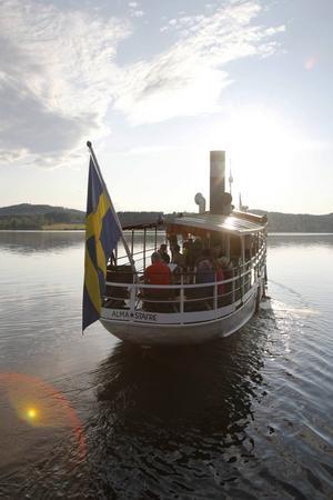 Tack vare engagerade bygdebor har ångbåten Alma af Stafre kunnat trafikera Revsundssjön 1993 efter omfattande renoveringsarbete. Då hade hon bland annat trafikerat Göta kanal, Stockholms skärgård, tagit en tur till Polen och medverkat i minst en svensk långfilm.