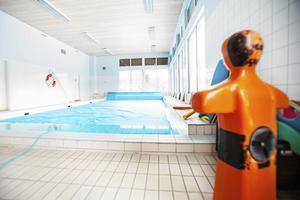Badhuset i Ljungdalen är till salu. Bergs hyreshus hoppas att någon i turismbranschen vill köpa fastigheten som kräver renovering.