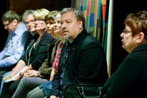 Landstingsrådet Robert Uitto (S) försökte i går lugna de som känner oro över att Lits hälsocentral ska läggas ned.Foto: Ulrika Andersson
