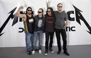Hårdrockarna Metallica gjorde sig ökända bland fans och fildelare när de stämde sajten Napster för att ha spritt deras musik.