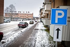 Följ de nya P-skyltarna vid parkering längs Malmgatan, uppmanar gatuchef Niclas Camarstrand.