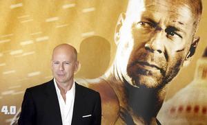 Känns soffan lockande så finns Bruce Willis och actionrullen