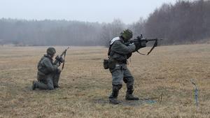 Skytte med AK4 ingår i den årliga storövningen.