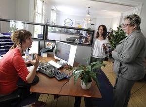 Riksdagsledamot Margareta B Kjellin (M) besökte Sverige bygger på tisdagen. Dels för att prata om ung arbetslöshet men också för att se hur det ser ut på det här företaget som har många yngre anställda.