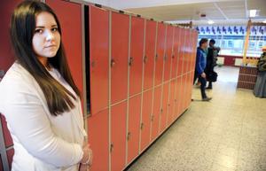 Immad Samims skåp är kvar på Torsberg och vännen Kristina Barbet hoppas att han snart ska kunna få komma tillbaka till Bollnäs.