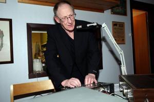 Gotlänningen Klas Göran Björkqvist spelade musik som passade både gammal som ung, från det allra modernaste till något äldre musik..