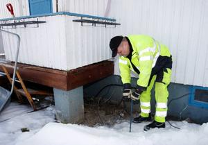 – På sina håll går tjälen ned till tre meters djup, säger Mats Gustavsson. Rekordet var i Föllinge för en vecka sedan, där hade en avloppsbrunn som var 3,6 meter djup bottenfrusit.Foto: Jan Andersson