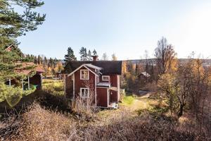 Denna fyrarumsvilla på Eriksbergs vägen i Linghed, Falu kommun, är på plats tio på Klicktoppen för vecka 44, sett till dalaobjekten.