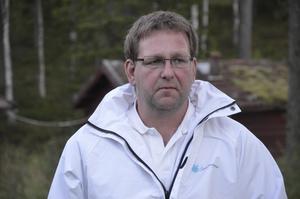 Jens Pettersson (SD) har bjudit in partiets styrelsemedlemmar med familj på valvaka i sitt eget hem på Lilla Kumlan i Ljusnarsberg.