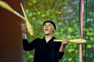 Fredrik Stoen som Emil.