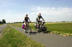 Packa en picknick på den nyservade cykeln och dra ut på äventyr.