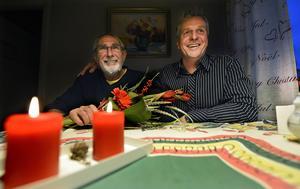 Björn Petré och Mats Hagljung har många minnen tillsammans, både inom bandyn och skolan.