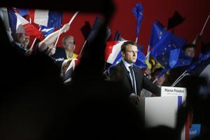 Emmanuel Macron vill stärka EU och får väljare från höger och vänster.